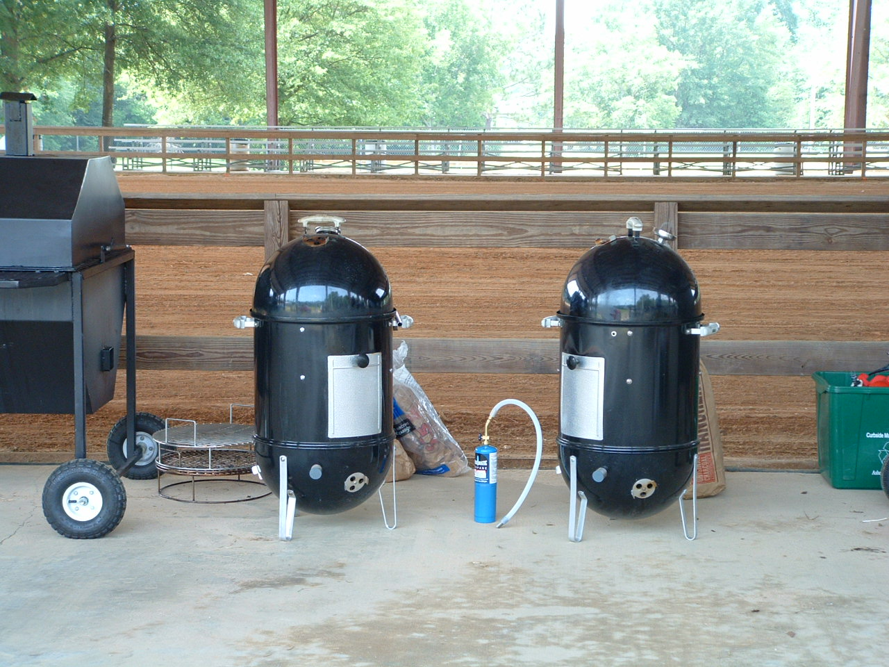 Outdoor BBQ Grill Choices – What Makes A Good Pit GrateTV #36636B